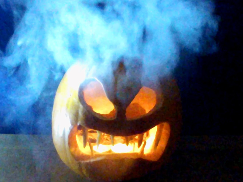 El increíble truco con hielo para dar ambiente en Halloween