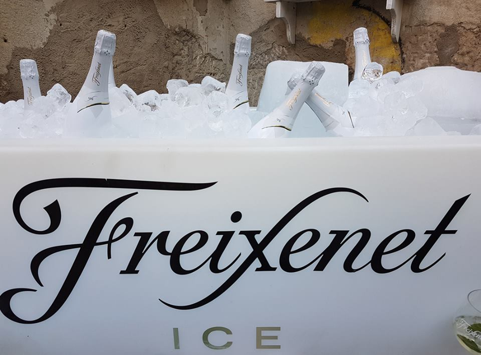 The cavas and champagnes on ice that are conquering Summer terraces