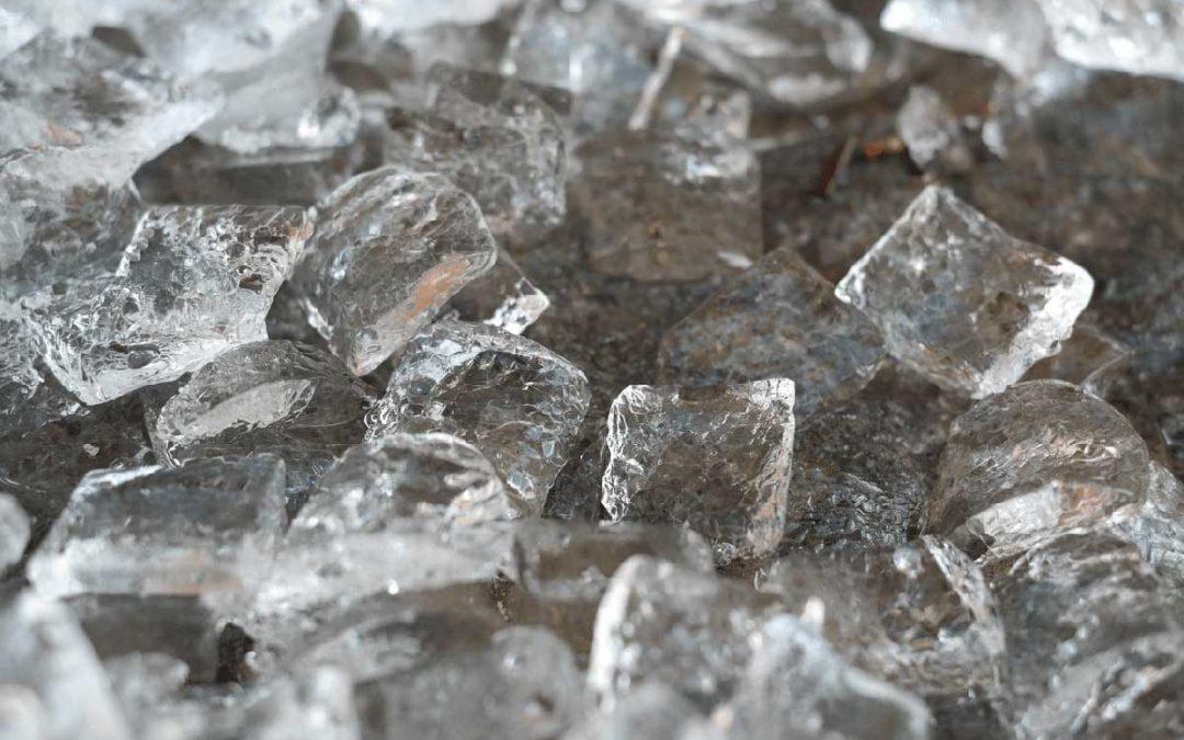 Ventajas de tener una máquina de hacer hielo en tu negocio