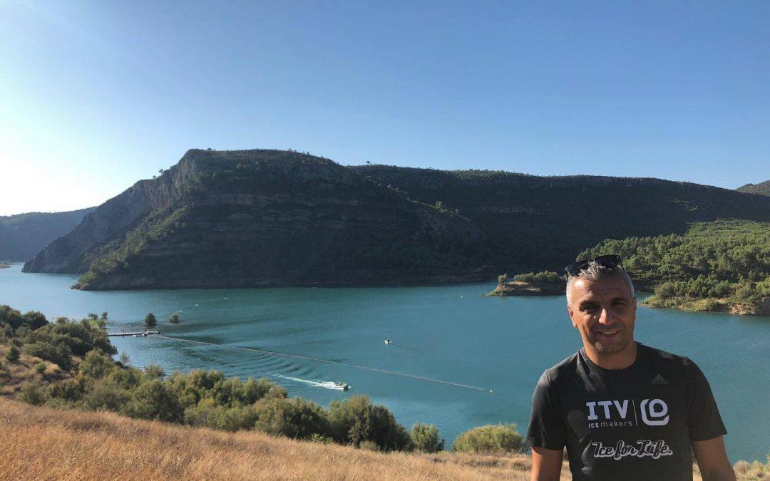 Dos kilómetros a nado en el embalse de Loriguilla