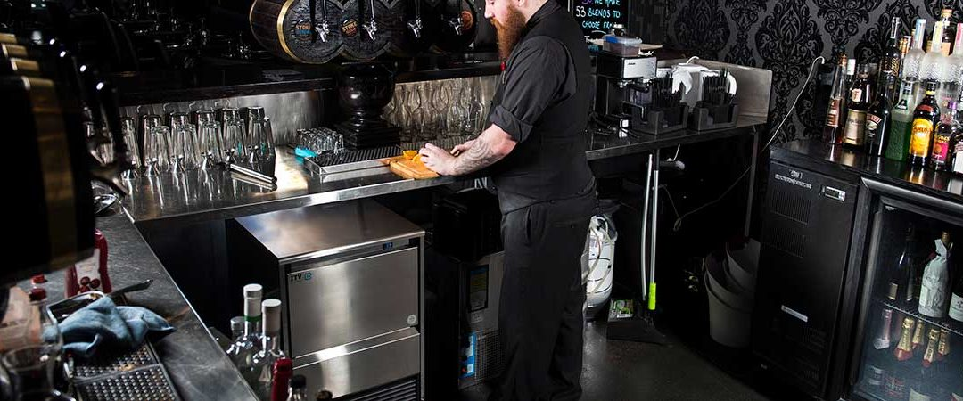 La importancia de un buen mantenimiento y servicio de una máquina de hielo