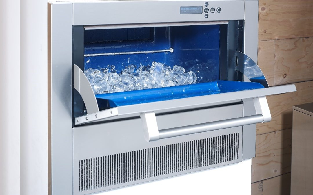 5 reasons why you should have an ice machine at home