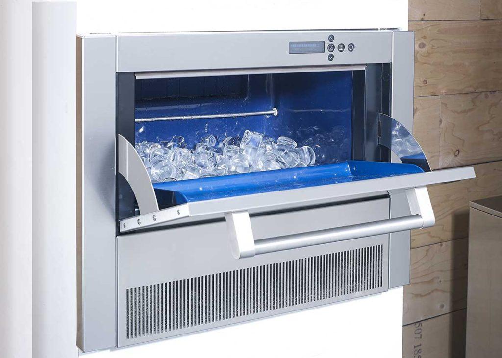 Ice kitchen ice maker
